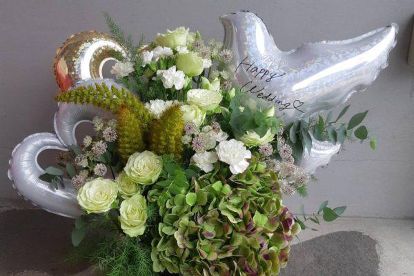 結婚のお祝いに 生花とバルーンのアレンジ【熊本の花屋・バルーンショップKIKI】