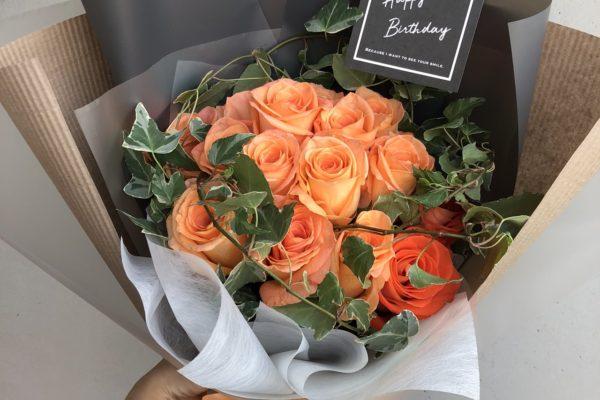 鮮やかなオレンジローズ。バラの花束【熊本の花屋・バルーンショップKIKI】