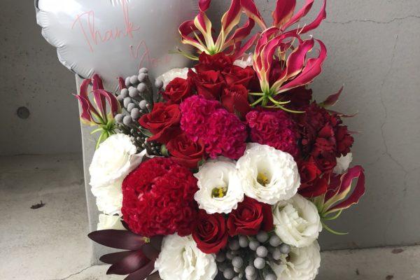還暦のお祝いにかわいいアレンジメント【熊本の花屋・バルーンショップKIKI】