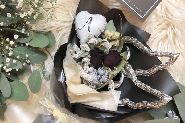 イニシャルバルーン入りドライフラワーのミニブーケ【熊本の花屋・バルーンショップKIKI】